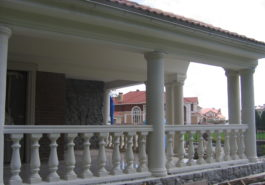 колонны в экстерьере
